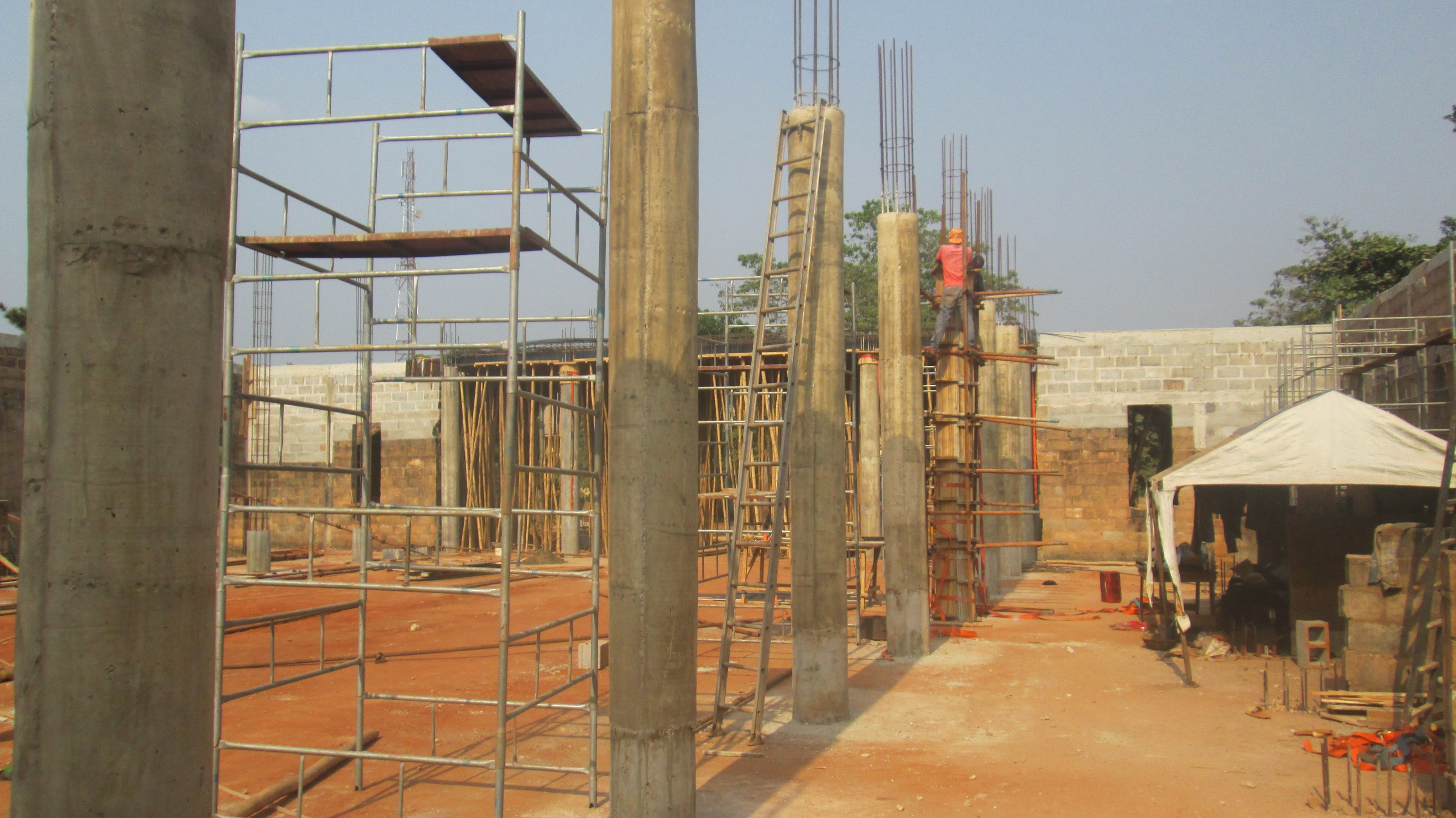Construction on pillars.jpg