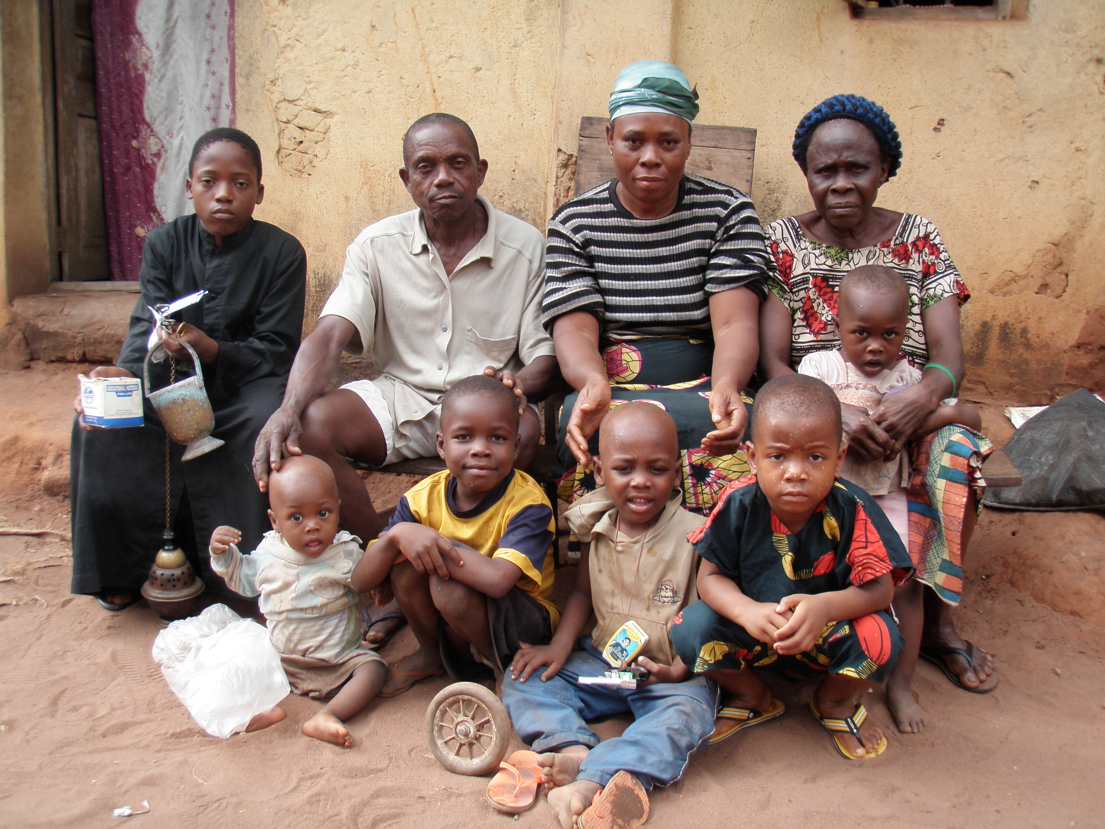 family in nigeria With 198 million inhabitants, nigeria is africa's most populous country it is also  home to one of the world's largest youth populations [1] though maternal and.